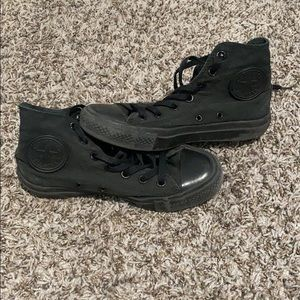 High top blackout converse chuck taylor size w6.5